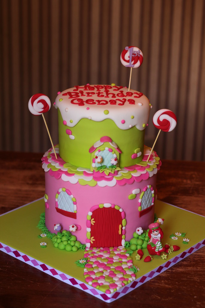 strawberry shortcake with angel food cake strawberry shortcake house cake andrea sullivan flickr 7774