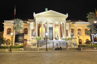 Teatro Massimo - Palermo Italy - Creative Commons by gnuckx | by gnuckx