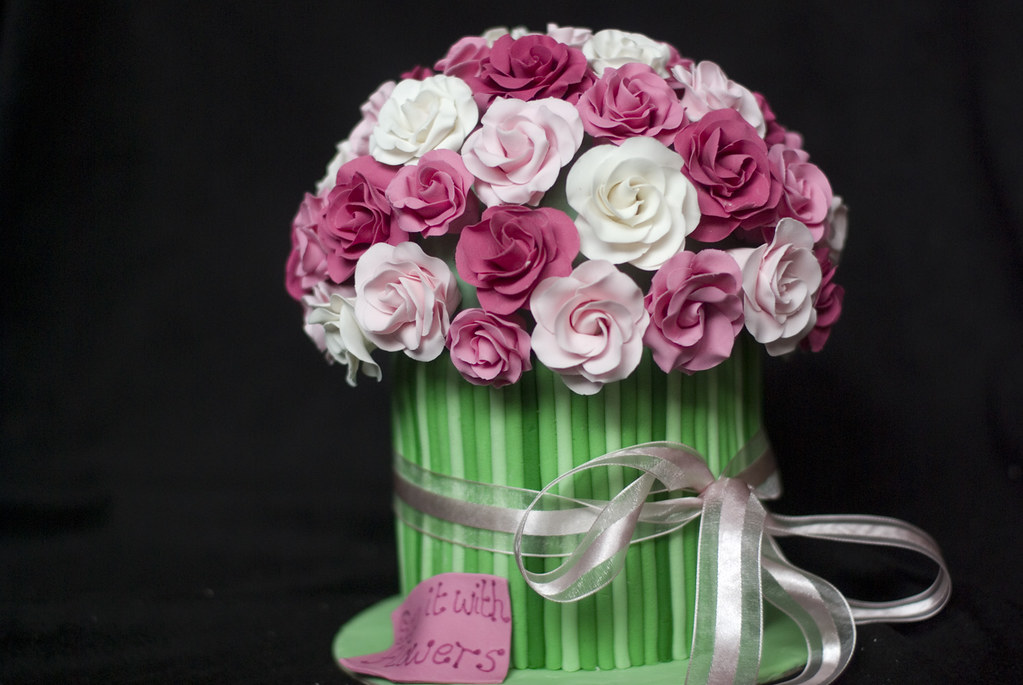 Bunch Of Roses Cake Inspired By The Many Bunch Of