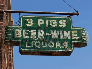 IN, Anderson-3 Pigs Restaurant & Lounge Neon Sign | by Alan C of Marion,IN