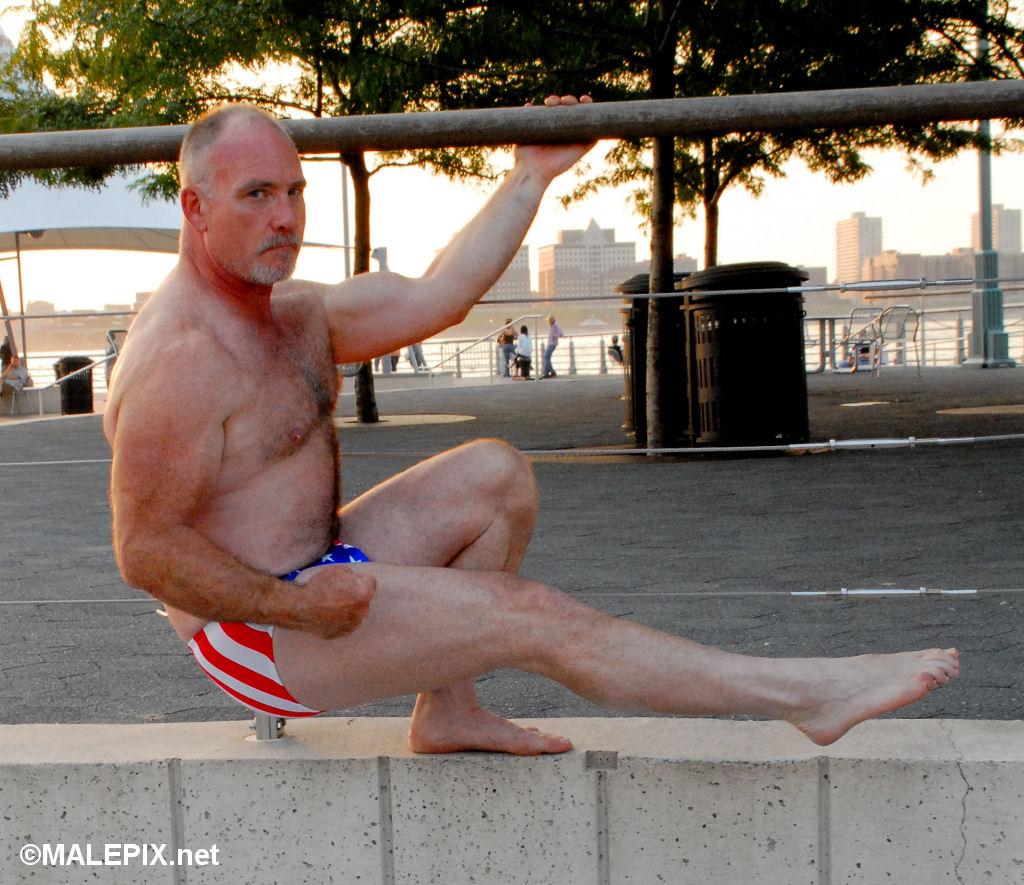 Mature Older Bisex: Free Ass Play Porn Video ca -