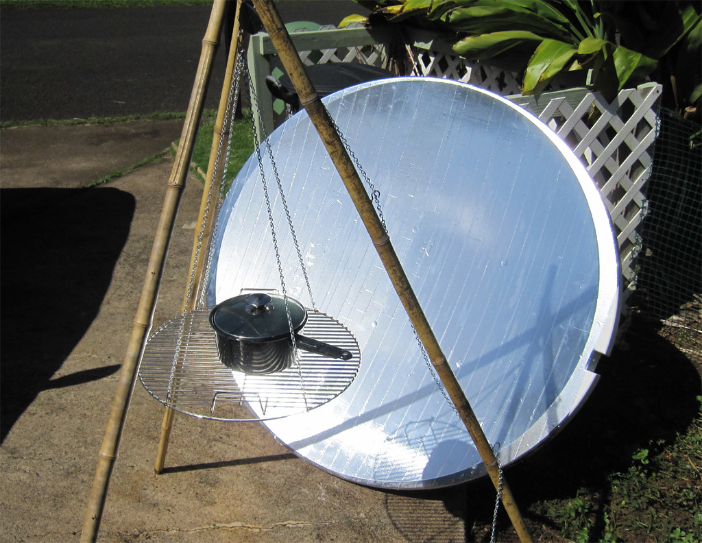 Large Tv Dish Solar Cooker This Is A Solar Cooker I Made