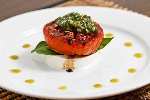 Balsamic Roasted Tomato Caprese Salad with Basil Pesto ...