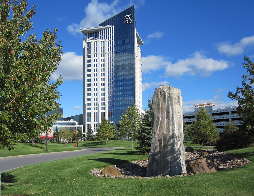 Turning stone casino hotels cresent city casino