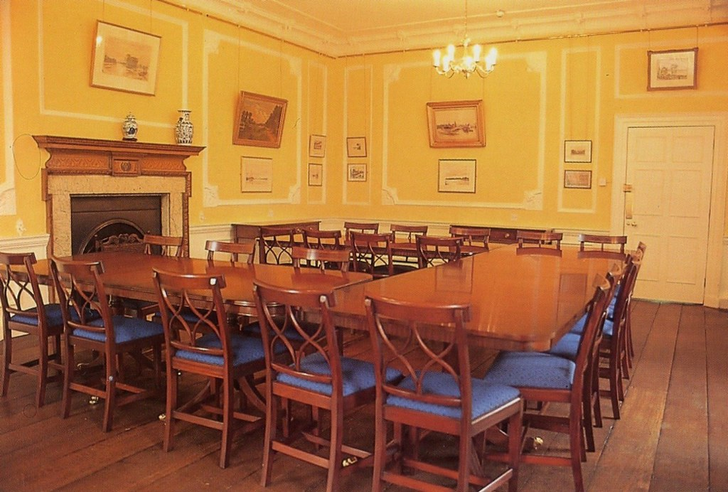 The dining room boston manor house scanned image for Dining room c house of commons