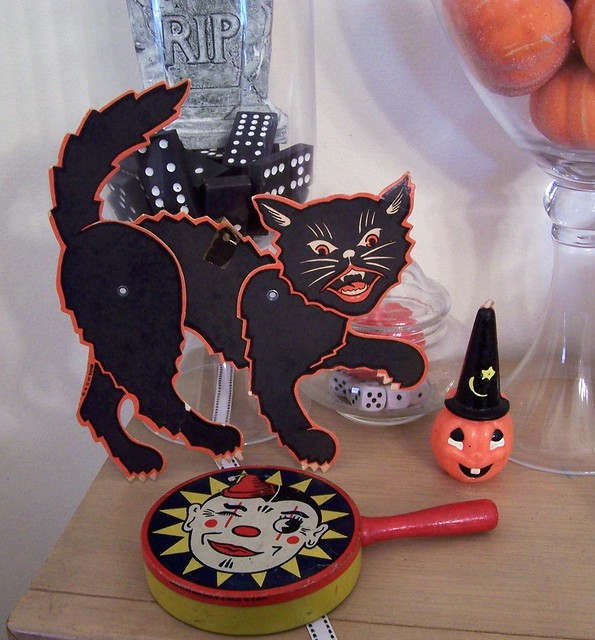 Vintage halloween decorations flickr photo sharing for Antique halloween decoration