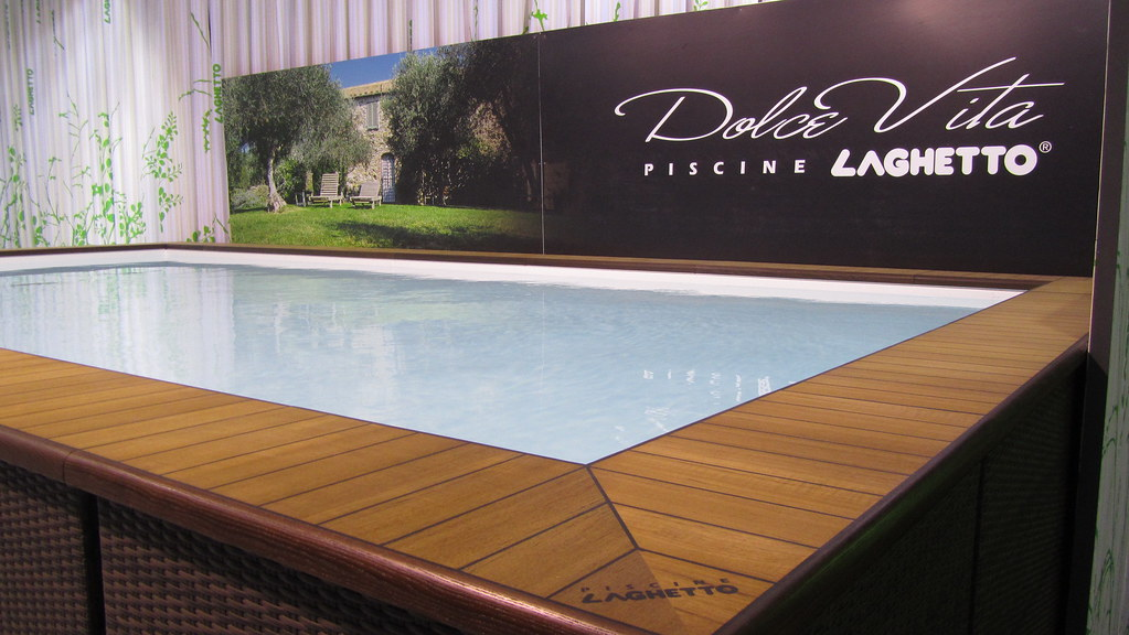 Stand laghetto lione 2010 7 piscina laghetto dolcevita for Piscine 3x6