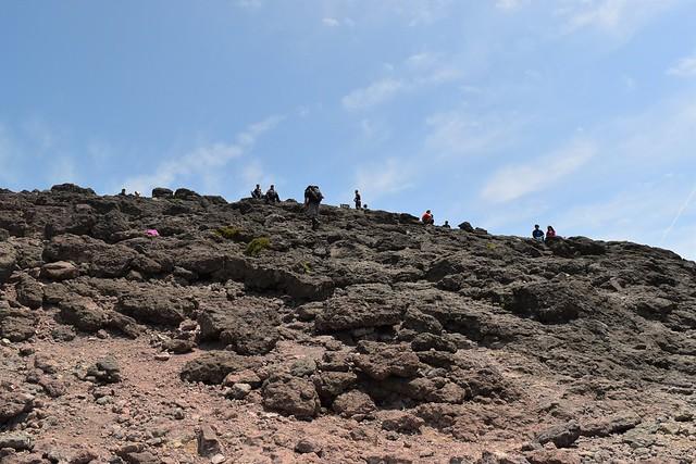 韓国岳山頂の岩場
