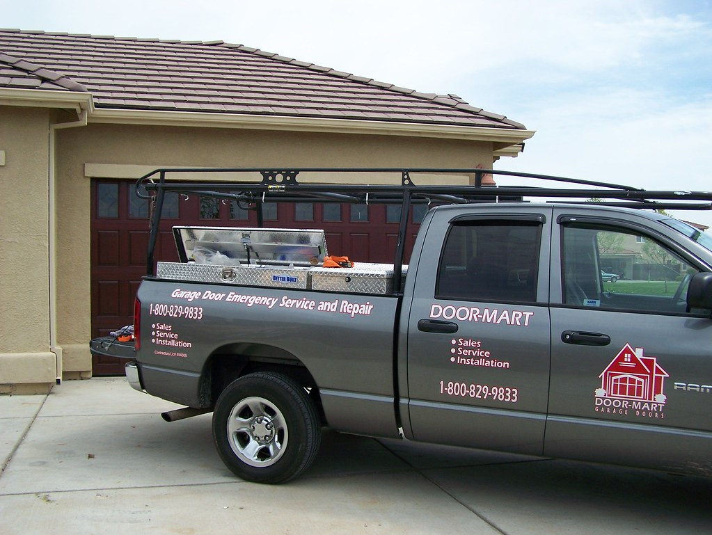 Garages For Trucks : Door mart garage service truck