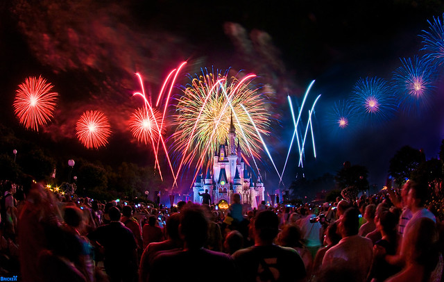 Magic Kingdom - Summer Nightastic Fisheye Fireworks