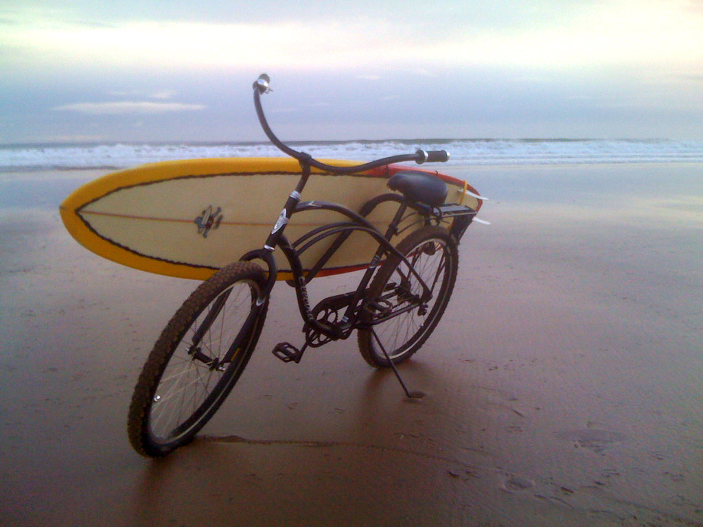 Electra Single Speed Beach Cruiser With Carver Surf Rack A
