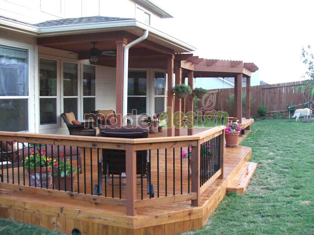 Porche pergola terraza en altura y barandilla www for Balcones madera exterior