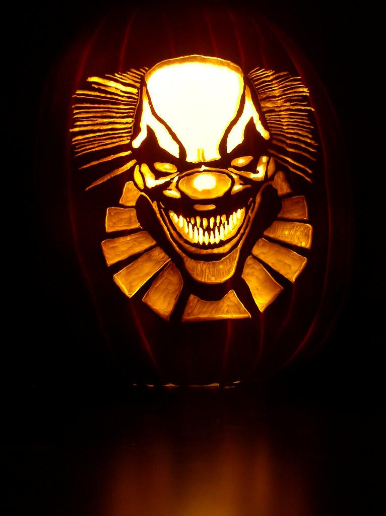 2010 everyone loves clowns a pumpkin carved for this for Creepy clown pumpkin stencil