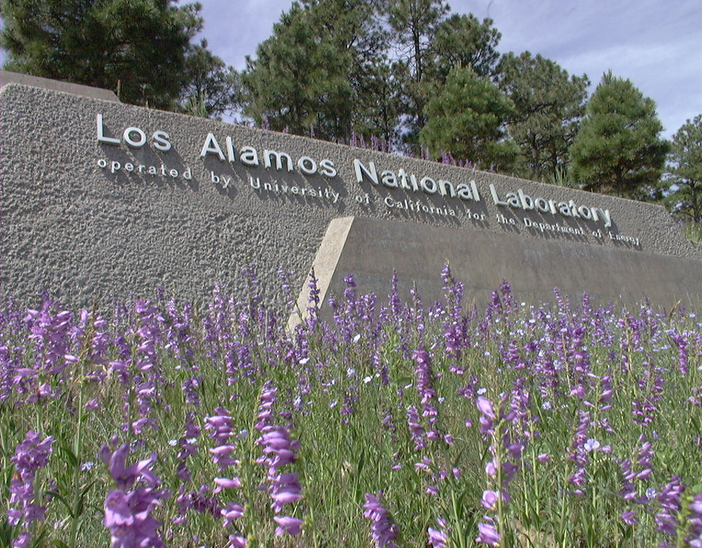 los alamos online dating Betrayal: students speak out about dating underway by a group of boys at los alamos in a group ends up dating each other so if a guy is really.
