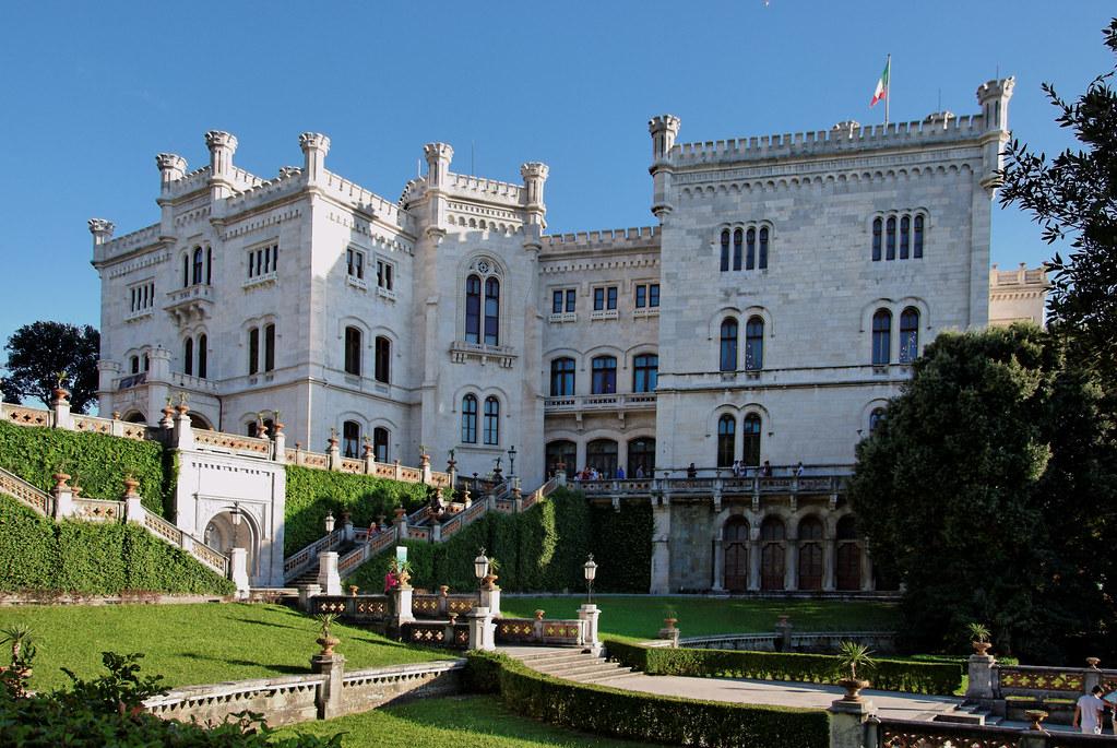 Trieste Castello di Miramare Foto Castello di Miramare | by