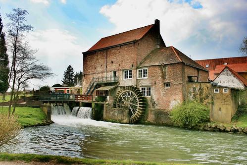 Moulin eau watermill magnifique moulin eau avec sa r flickr - Salon de the veules les roses ...