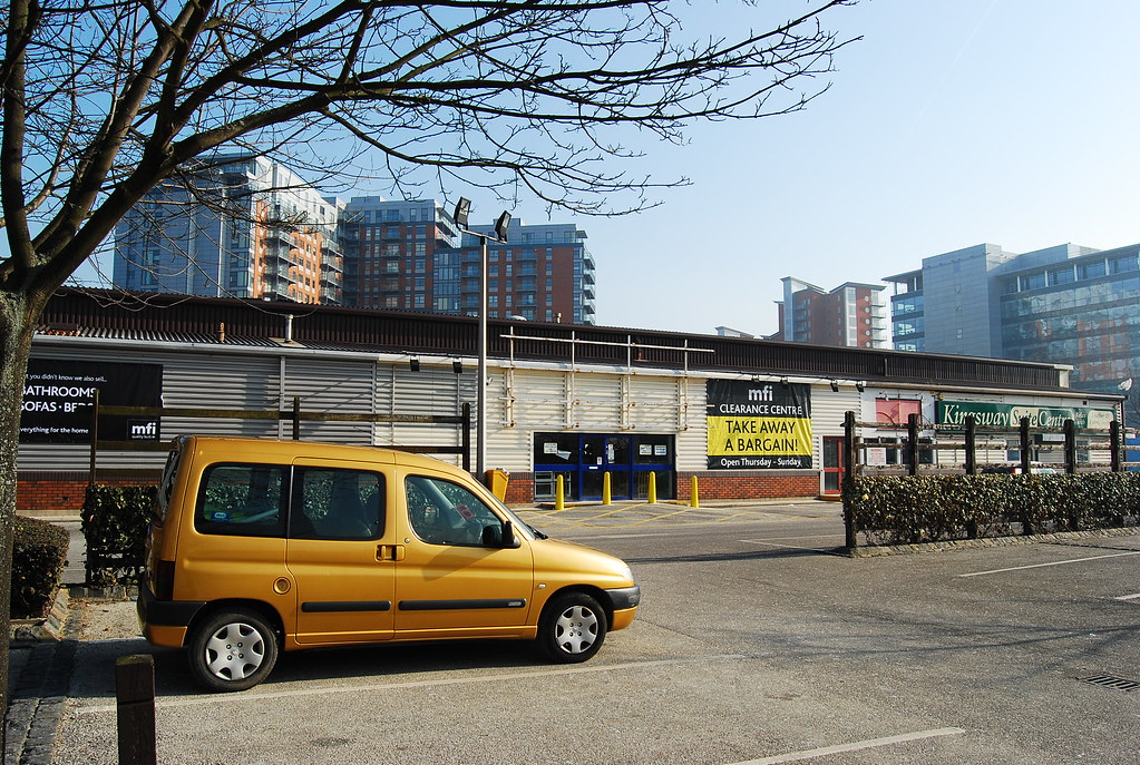 Aireside Centre Now Demolished Another Pic From 2008 Of