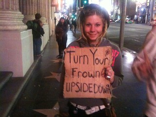 Look at this homeless girl's sign and try not to smile | by invisiblepeople.tv