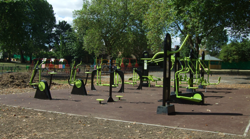 HOME PARK SYDENHAM OUTDOOR GYM 2010