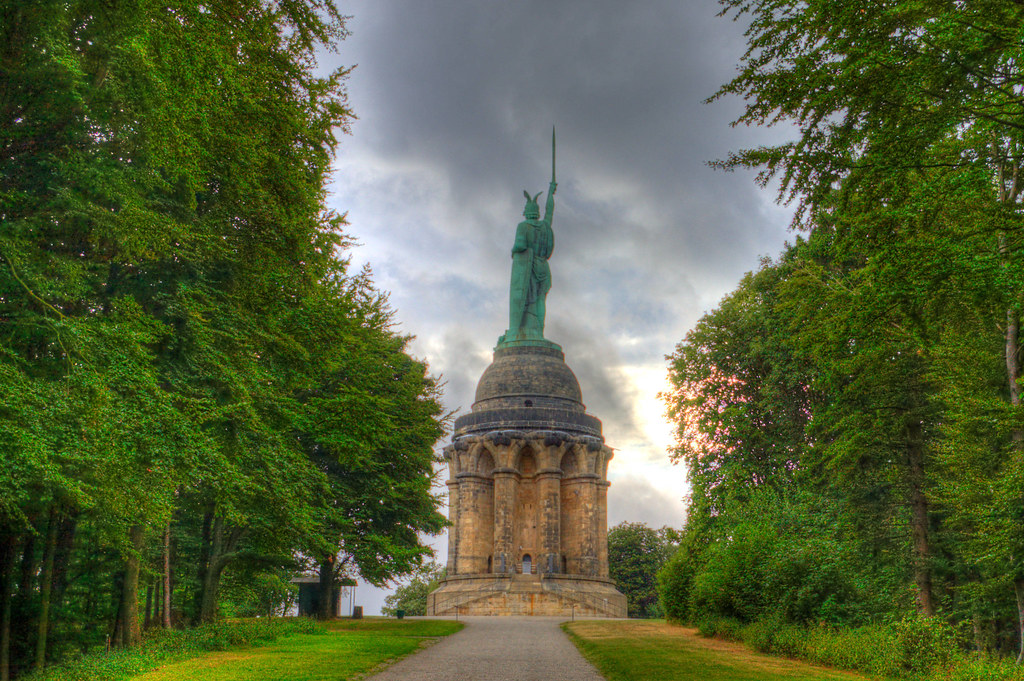 detmold hermannsdenkmal backside
