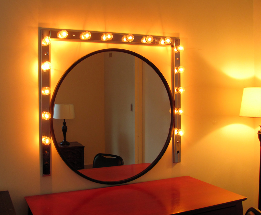 Oooh Lights Around The Mirror Just What You D Expect