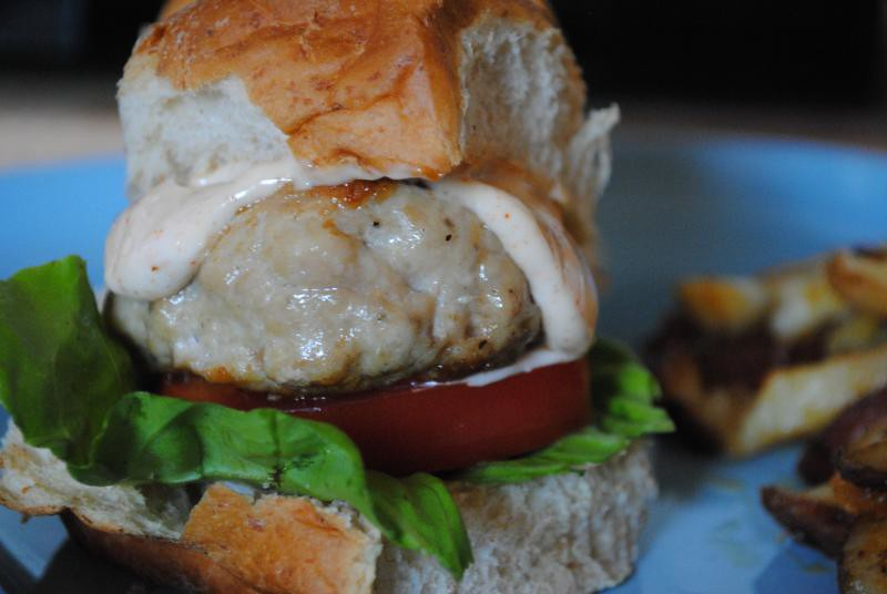 Chicken Sliders with Chipotle Mayo | Labor Day dinner. [Blog ...
