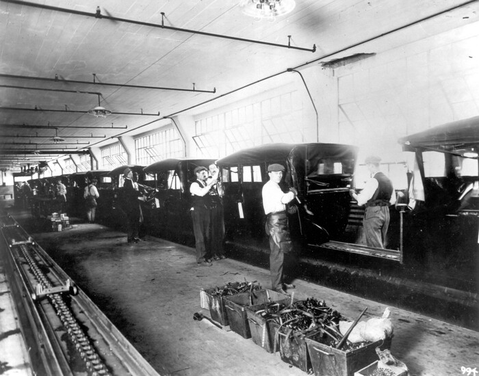 Installing Folding Tops At The Highland Park Plant 1915