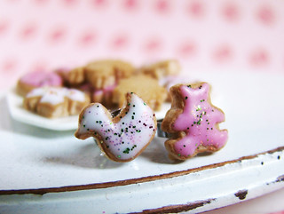 Earrings - Animal Cookies - Pink and White | by PetitPlat - Stephanie Kilgast