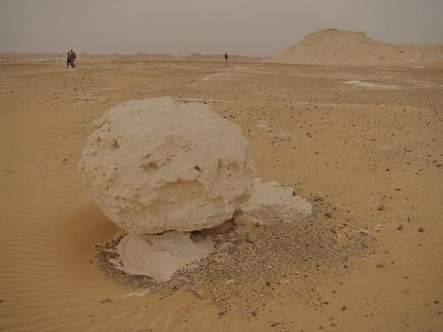 Roca fungiforme o en seta - Western Desert (Egipto) - 03