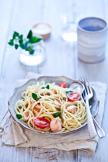 Spaghetti With Grilled Salmon, Grape Tomatoes & Capers | by tartelette