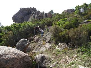 Entretien du sentier de montée de Ranuchjaghja : Marie-Jeanne, Michel