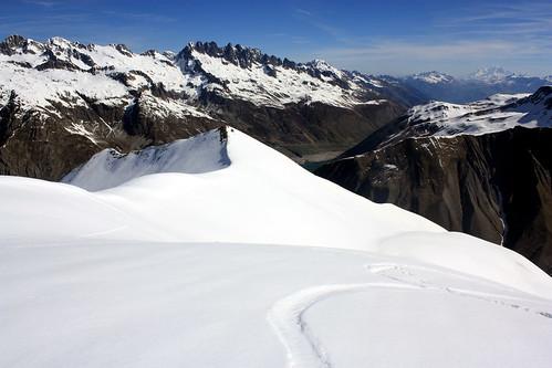 Les Aiguilles de l'Argentière et le Rocher Blanc au loin