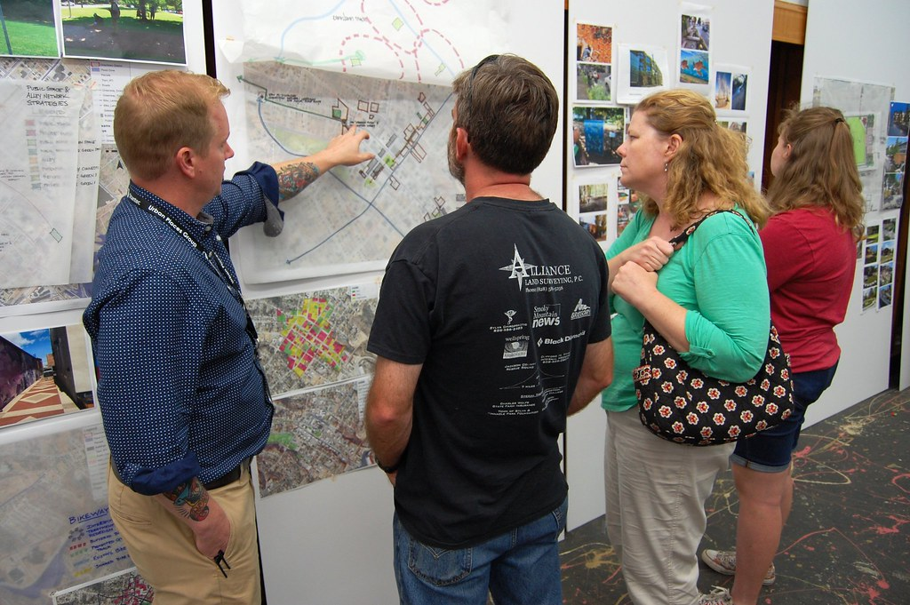 Stantec staff discusses ideas with residents