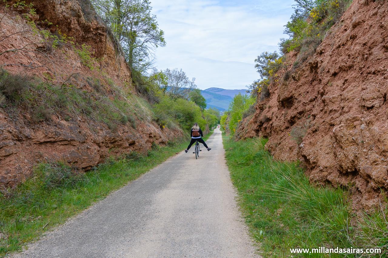 Disfrutando en bici de la Vía Verde a su paso por Ezcaray
