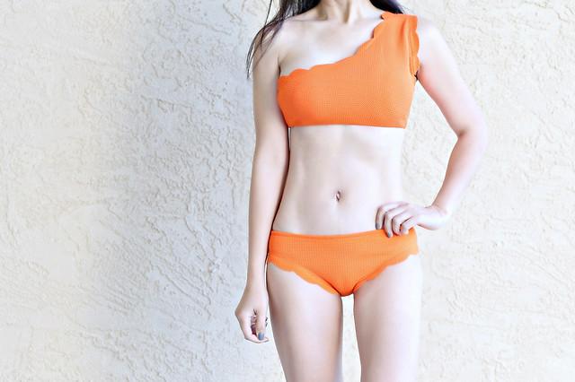 ScallopedTwoPieceSwimsuits_SydneysFashionDiary