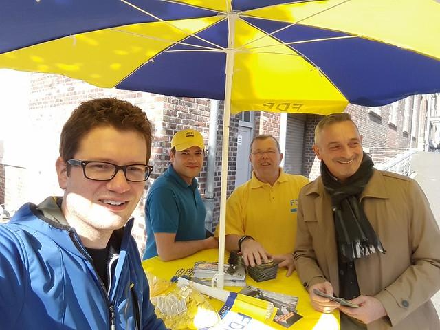 Straßenwahlkampf der Freien Demokraten in der StädteRegion