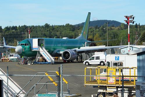 Boeing 737 MAX 8 WestJet LN6384