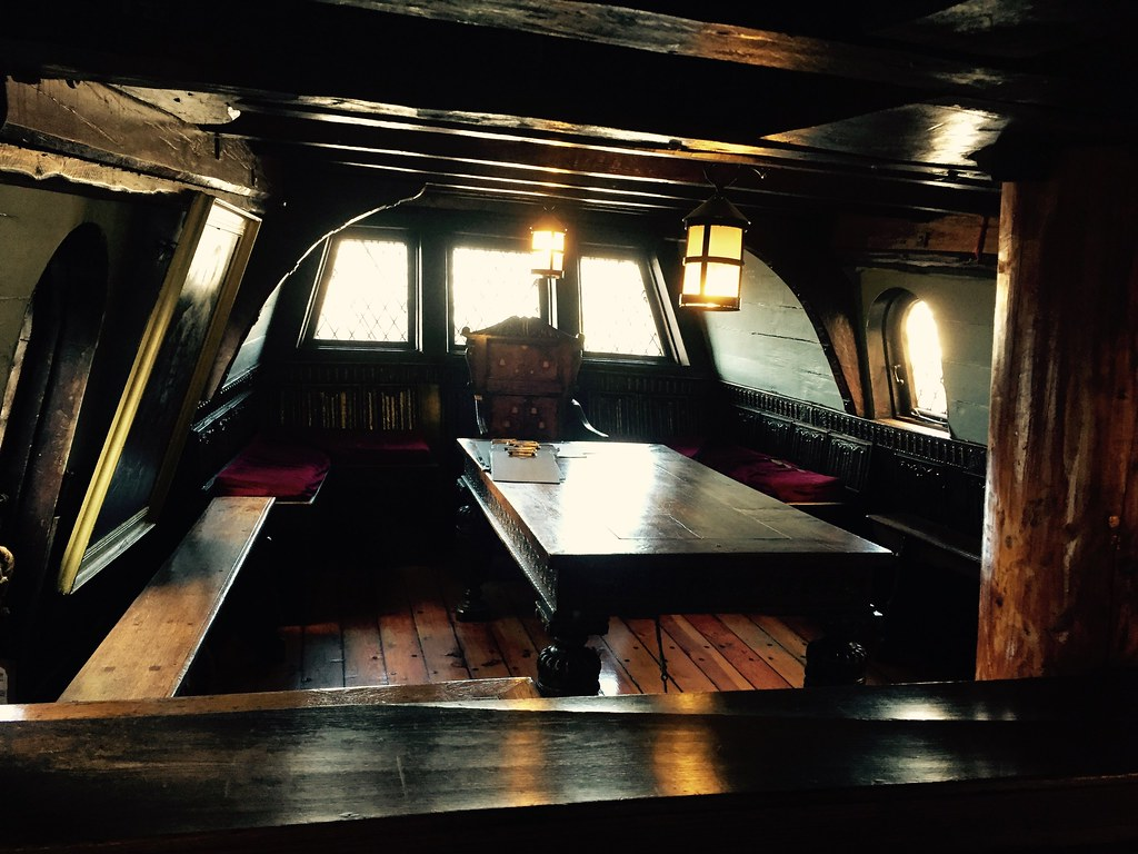 Captain's cabin, Golde...