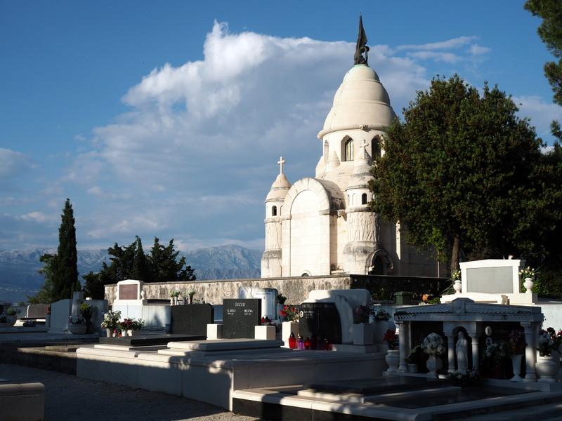 supetar mausoleumi