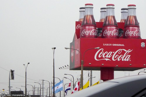 Coca-Cola advert - Lima, Perú