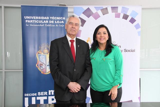 Firma de convenio de cooperación entre la UTPL y el MIES