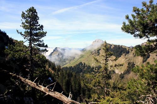 Vue vers le Col des Ayes et Pravouta