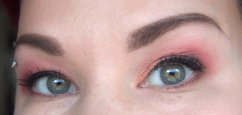 vihreiden silmien meikkaus