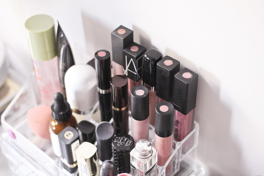 liquid lipstick organisation