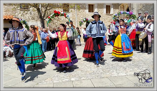 Romeria a Santa Casilda. Procesión, misa y bailes (4)