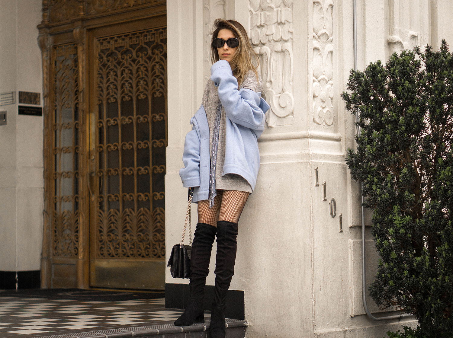 oversized jacket with over the knees_38