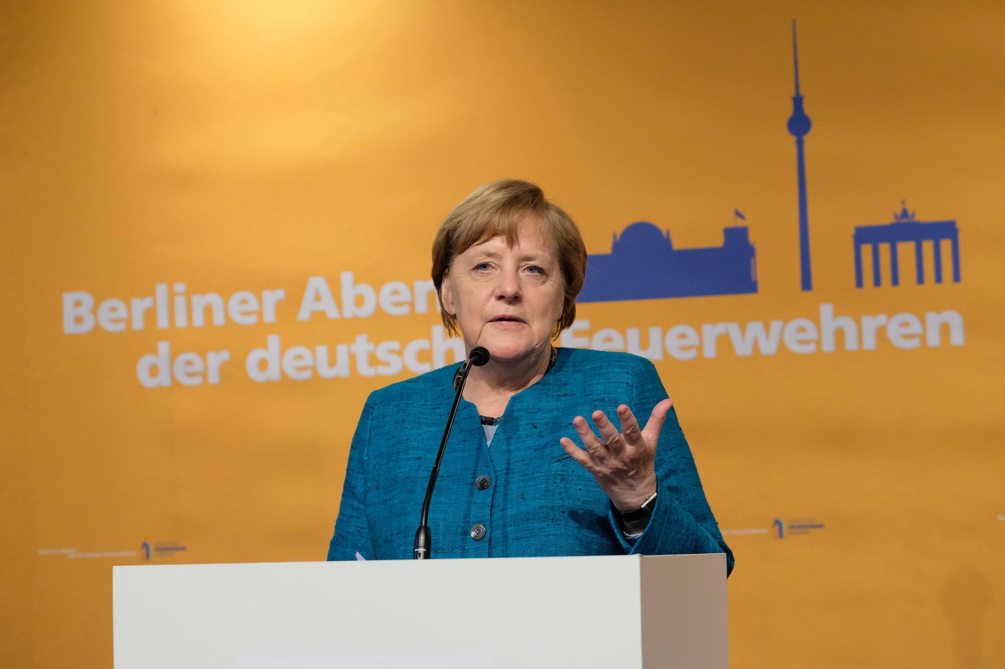 12. Berliner Abend der deutschen Feuerwehr - mit Bundeskanzlerin Angela Merkel