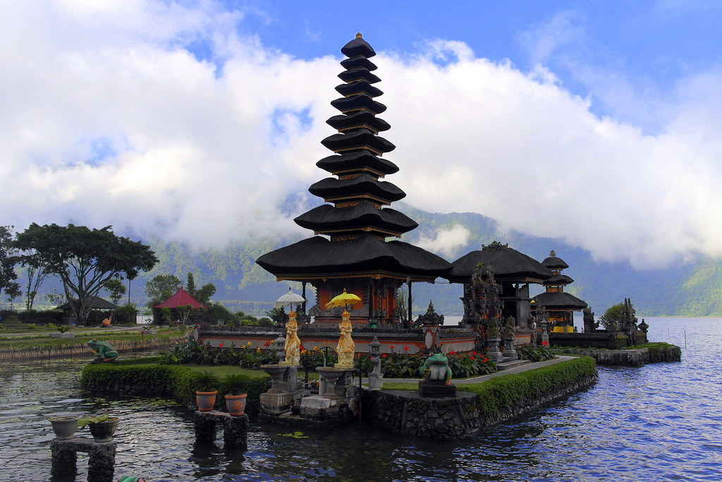 Beratan Lake Bali Natural Tourism