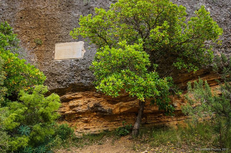 Placa del último ermitaño de Sant Bartomeu de Fraguerau