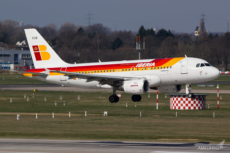 Iberia - A319 - EC-KUB (1)